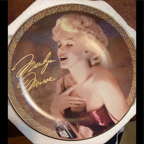 Marilyn Monroe Blonde passion plate